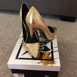 LFL Shoes - Gold Pumps