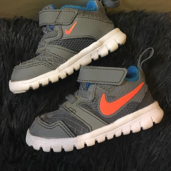 Baby boy Nikes size 3C
