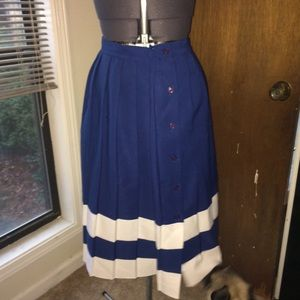 Vintage pleated blue button skirt