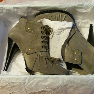 N.Y.L.A. Shoes - NEW Gray Suede Fringe Bootie!!