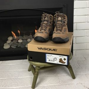 Vasque Other - Vasque Breeze GTX Hiking Boots