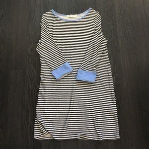 Dresses & Skirts - Boutique sweater dress.