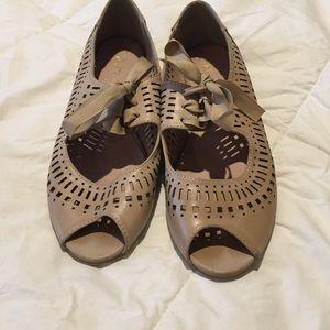 Open toe tan leather ballet flats