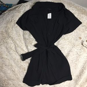 NWT Banana Republic Black Romper - size 6