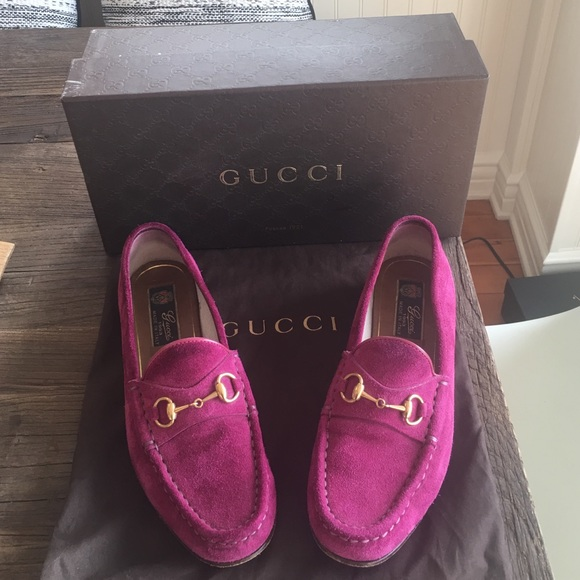 6bf3ed0b20bb Gucci Shoes - GUCCI QUEEN BLOOM SUEDE HORSEBIT SHOES LOAFERS