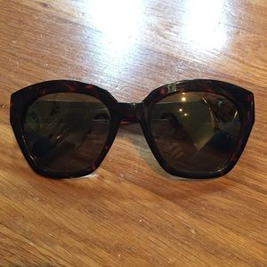 Kenneth Cole Reaction Accessories - Kenneth Cole Reaction Tortoiseshell Sunglasses