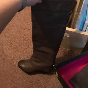 Size 7 Vince Camuto wedge boots