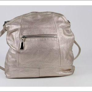Gold leather shoulder bag.