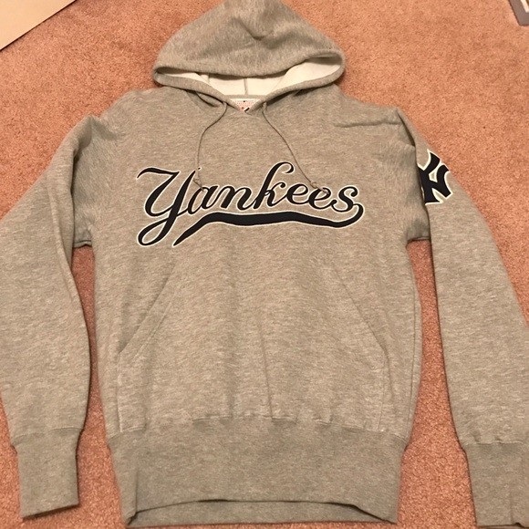 newest 51b20 534ad Yankees sweatshirt