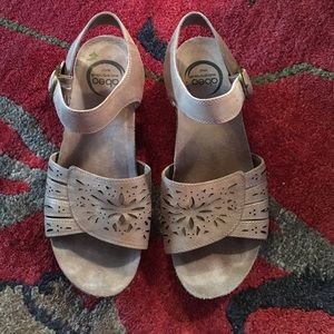 abeo Shoes - Abeo sandals, size 7N, 1 1/2 inch heel.