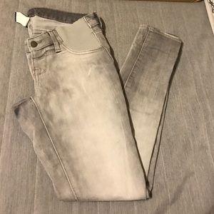 Old Navy Maternity Rockstar jeans size 2 Reg