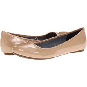 Dr. Scholl's pointed flats in nude