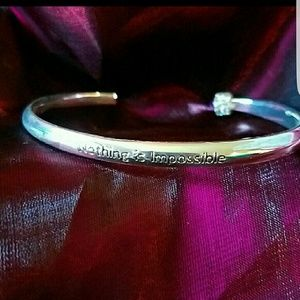 Bracelet Nothing is Impossible