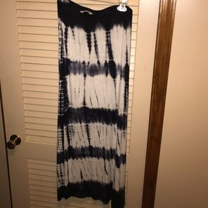 Dresses & Skirts - Navy blue and off white maxi skirt
