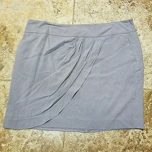 Loft Gray skirt w/ pockets