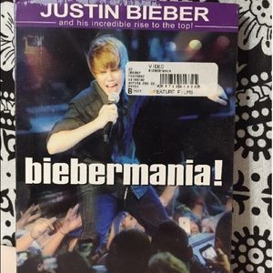 Other - Justin Bieber BieberMania DVD