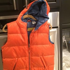 Roots puffer vest with hood