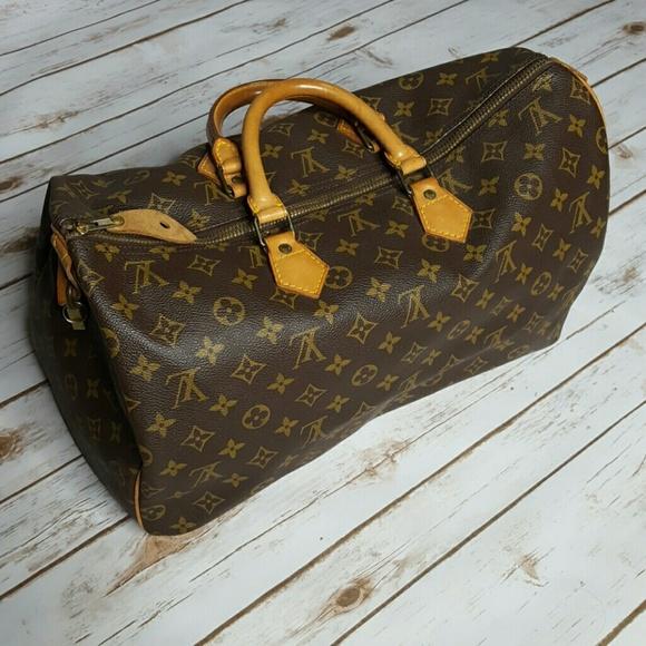 96a81505598 Louis Vuitton Handbags - Authentic Vintage Louis Vuitton Speedy 40