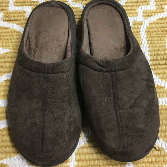 The Sharper Image Other - Men's Large Brown Memory Foam Slippers