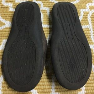 The Sharper Image Shoes - Men's Large Brown Memory Foam Slippers
