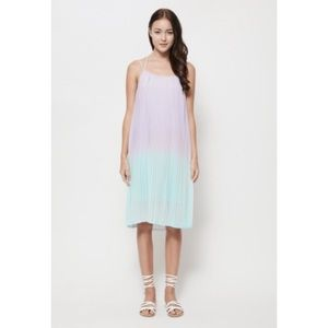 VGY Dresses & Skirts - NWT Rae ombré lilac turquoise pleated dress