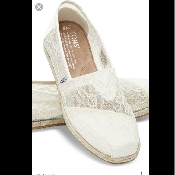 ec7f2764b3c Lace white Toms wedding shoes. M 5879b0fd5a49d0f5be021f46