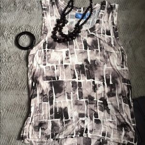 Great Everyday Grayscale graphic tank