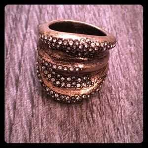 Ann Taylor Jewelry - Ann Taylor gold & sparkly pave ring. Sz 6.