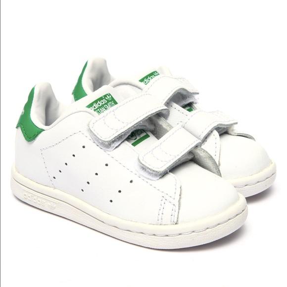 adidas Shoes Småbarn Stan Smith Sneakers Størrelse 5c         Poshmark    Adidas sko   title=         Ny med æske Stan Smith størrelse 7 Toddler          Poshmark