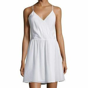 Alice + Olivia Dresses & Skirts - NWT Alice + Olivia Renata Silk X-Back Dress