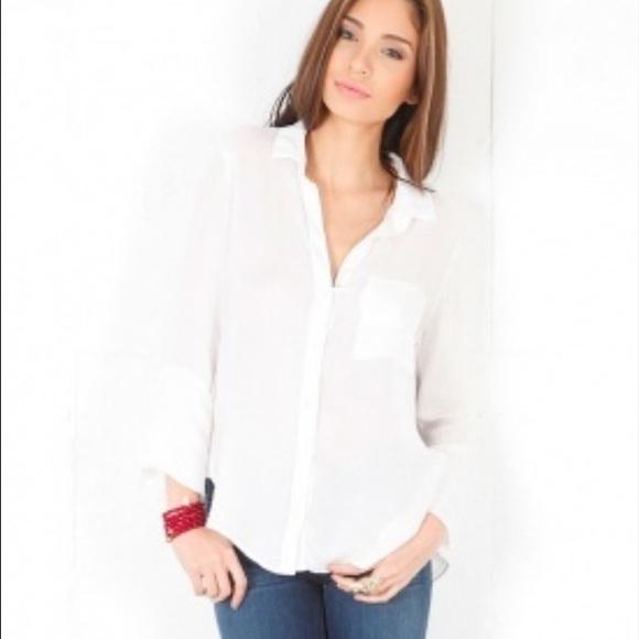 Anthropologie Tops - Bella Dahl white collared button down shirt