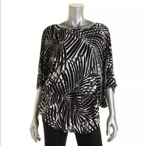 Grace Elements Tops - Grace Elements B/W Printed Dolman Sleeves Blouse M