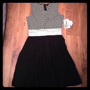 Trixxi Dresses & Skirts - Crochet waisted dress