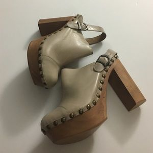 Jeffrey Campbell Shoes - Woodies By Jeffrey Campbell