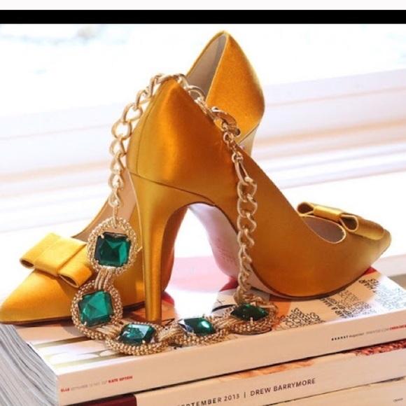 e5d940efec4 Mustard satin Zara heels. M 586b25692ba50af6df03604f