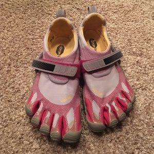 Vibram Shoes - Vibrant five fingers size37