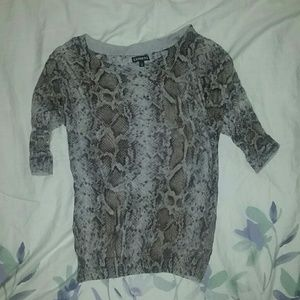 SO SOFT!! Snake Print Express Thin Sweater Top