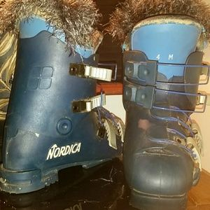 4m Nordica ski boots.mens but gender friendly