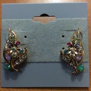 New Beautiful 🌺 Flower Stud Earrings