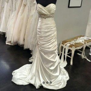Maggie Soterro Adorae Wedding Dress