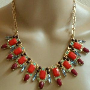MHI  Jewelry - Gorgeous Goldtone Fashion Statement necklace.