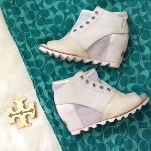 Sorel Shoes - ⭐️SALE!! NWOT* Sorel Booties, Size 10