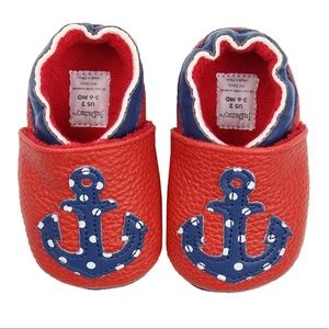 Other - ✨NIB✨6-9 MOS BABY SHOES/SLIPPERS
