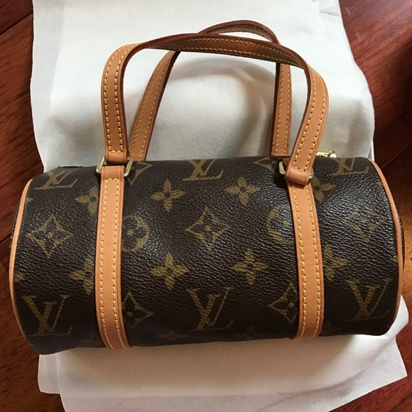 Louis Vuitton Handbags - Authentic Louis Vuitton Barrel Bag Small fc9e505a071f2