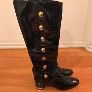 a6826487c6089b Tory Burch Shoes - Tory Burch patent leather boots!