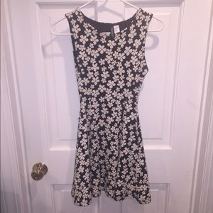H&M black and white floral dress