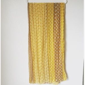 Banana Republic Golden Honeycomb Print Scarf