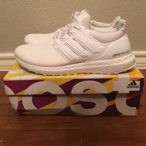 720ad6037d6 Adidas Ultra Boost (fake) NWT