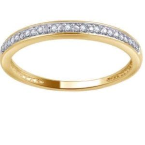 Jewelry - 💕💎$437 10K Natural Diamond Accent Band Gold