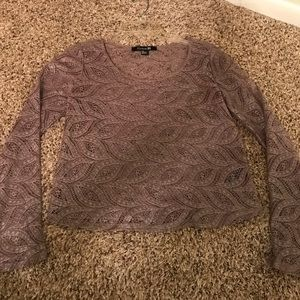 Crop top with long sleeves